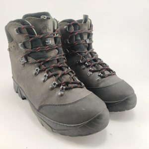 کفش کوهنوردی اورست ساخت رومانی